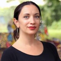 Headshot of Aviva Kapust